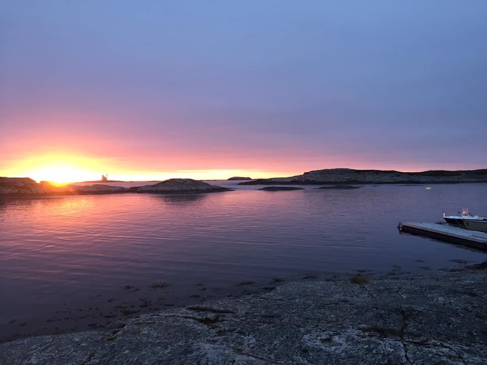 Averoy-norsko-more-rybareni-majak-zapad